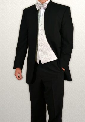 Black Nero three-quarter length lounge suit