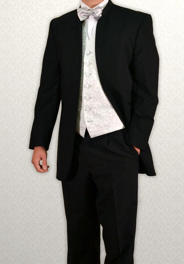 Black Nero three-quarter length lounge suit