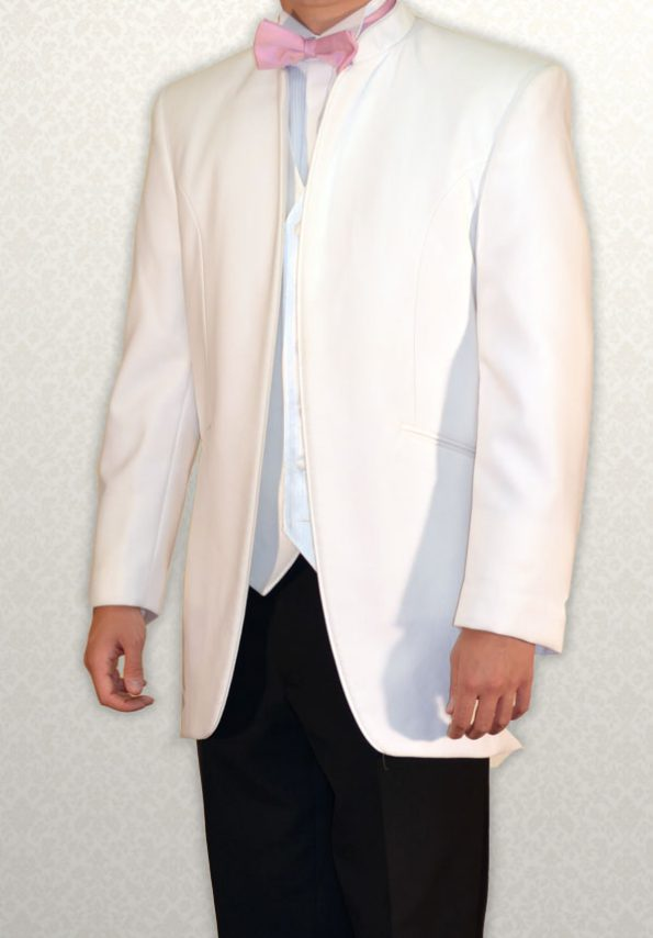 White Nero three-quarter length lounge suit